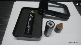Флешка карандаш в подарочной упаковке