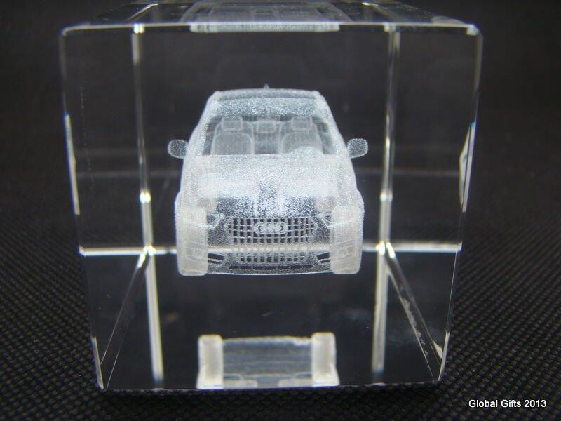 Кристалл с 3D гравировкой макета AUDI Q5