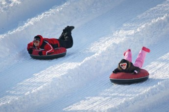 2015-inflatable-snow-tube (4)