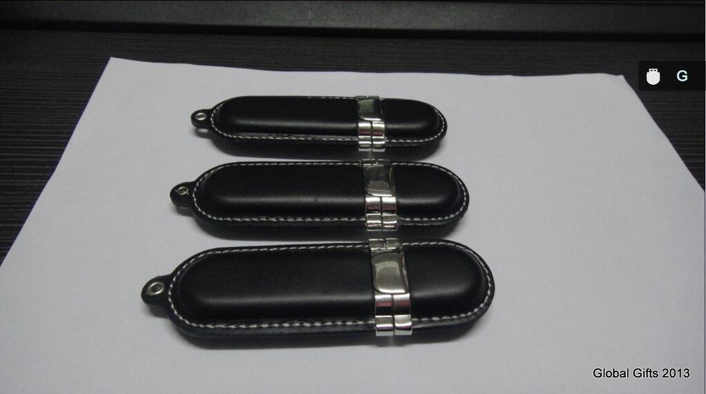 Кожаные флешки AUDI