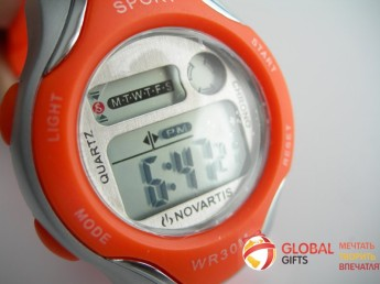 Часы наручные с логотипом и окраской по Pantone. Фото 1 из 4