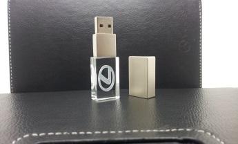 USB flash кристал с 3D лазерной гравировкой внутри фото 1