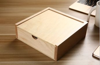 Подарочная коробка дерево