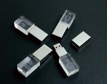 Флешки кристалы с 3D гравировкой внутри 2