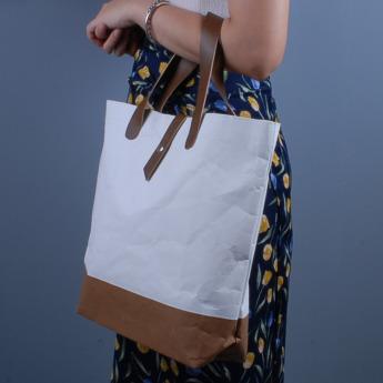 Непромокаемая бумажная сумка с ручками из экокожи Фото 1