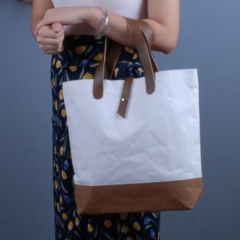 Непромокаемая бумажная сумка с ручками из экокожи Фото 2