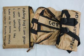 Непромокаемый бумажный складной рюкзак Фото 3