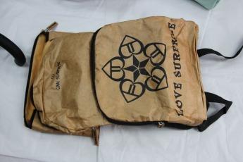Непромокаемый бумажный складной рюкзак Фото 5
